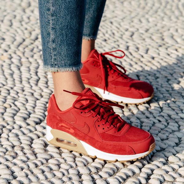 Pantofi sport moderni