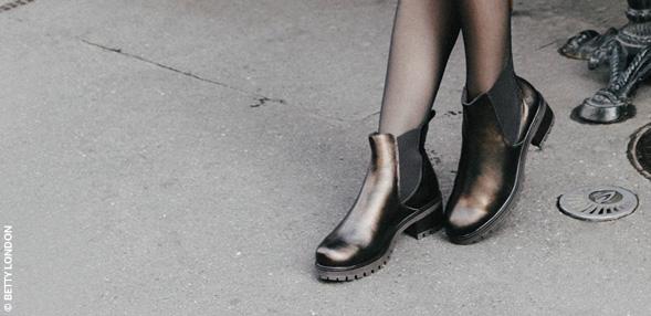 Cizme lungi peste genunchi sau botine ?