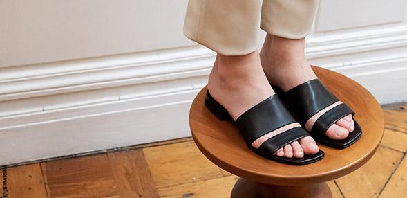 Papuci de vara și saboți în pas cu moda